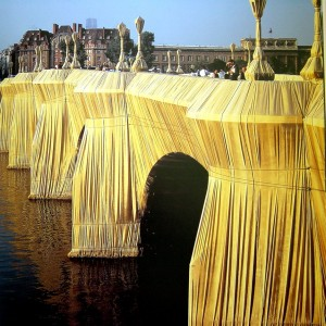 Christo The pont neuf pariswrapped 1985 2
